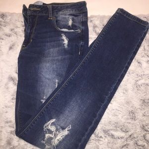 Kenneth Cole Distressed jeans